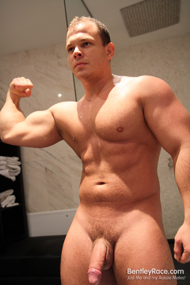 huge muscle gay porn