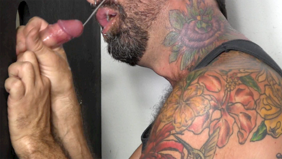 Straight-Fraternity-Chris-R-College-Guy-With-Big-Uncut-Cock-In-Glory-Hole-Amateur-Gay-Porn-14 Straight College Guy With Uncut Cock Gets Serviced At A Glory Hole