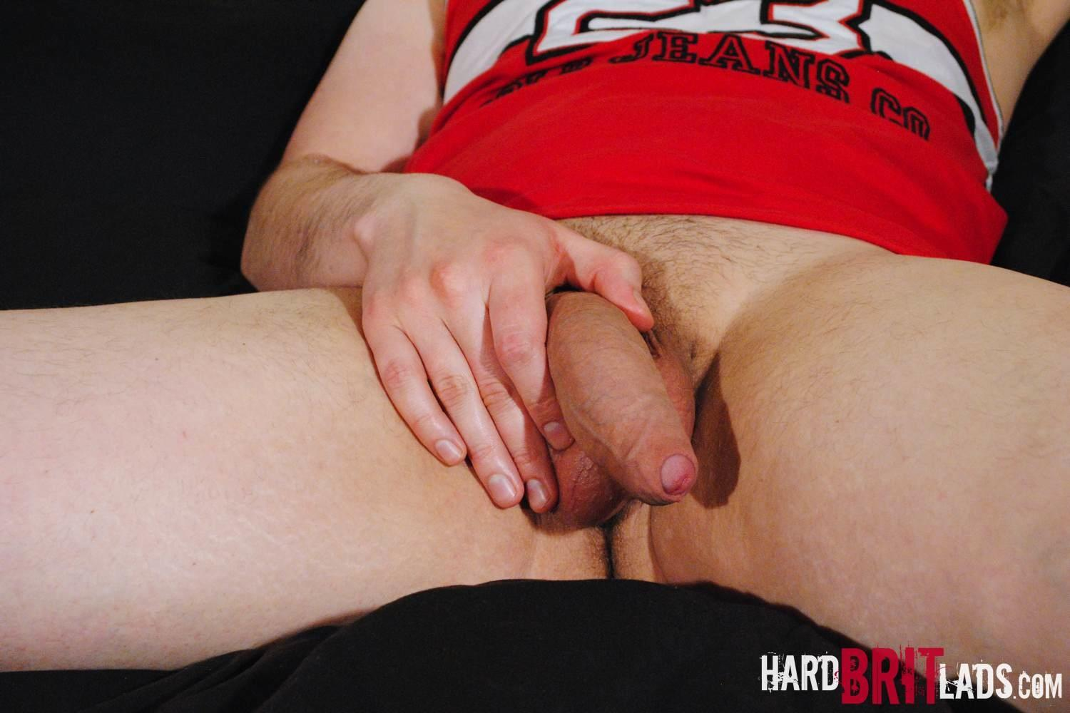 Hard-Brit-Lads-Jon-Bull-British-Skinhead-With-A-Big-Thick-Uncut-Cock-Amateur-Gay-Porn-05 Straight British Skinhead Jerking His Big Thick Veiny Uncut Cock