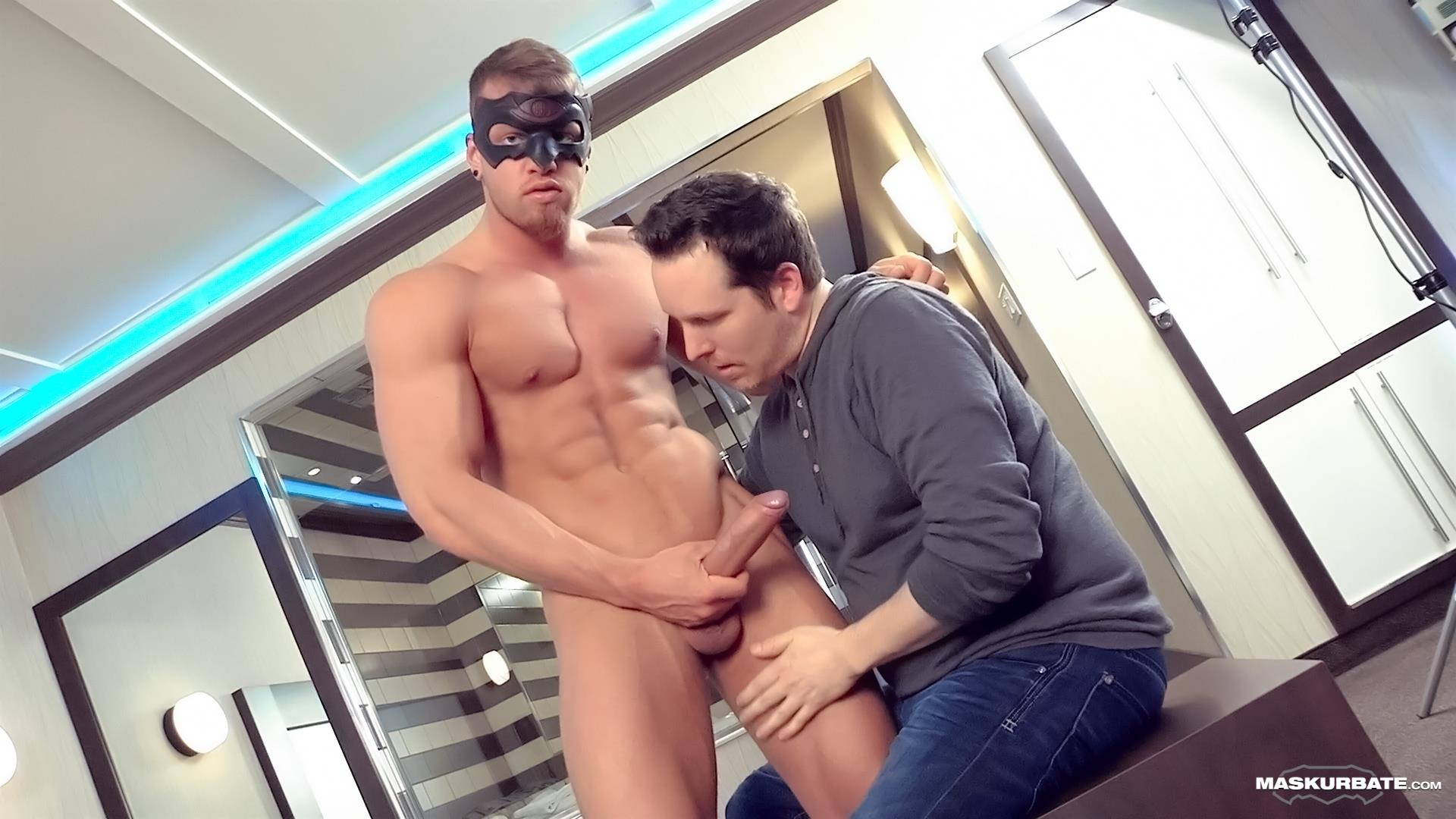 Maskurbate-Pascal-and-Brad-Straight-Muscle-Hunk-With-A-Big-Uncut-Cock-Jerking-His-Cock-Amateur-Gay-Porn-07 Worshipping A Straight Muscle Hunk With A Big Uncut Cock