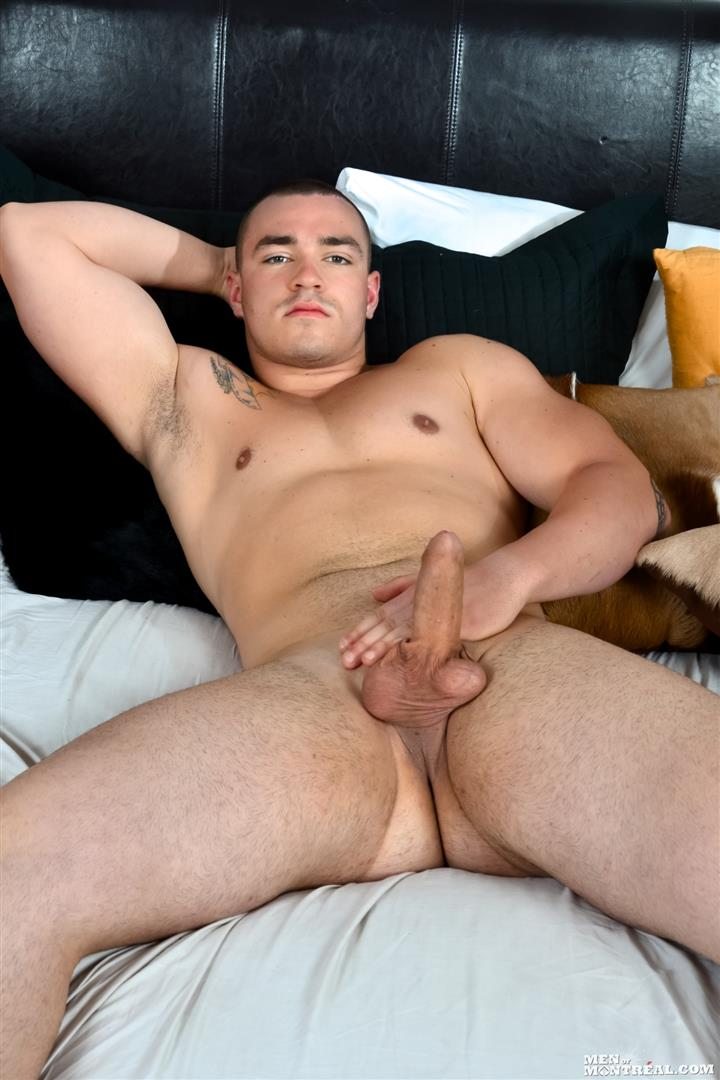 Amateur Hunk Sucking Stroked Dick