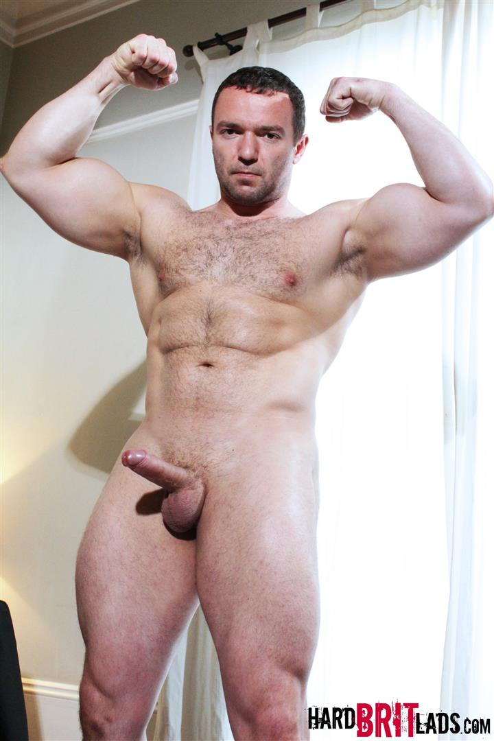 Looking buff hung stud takes cock nice decent paragraph