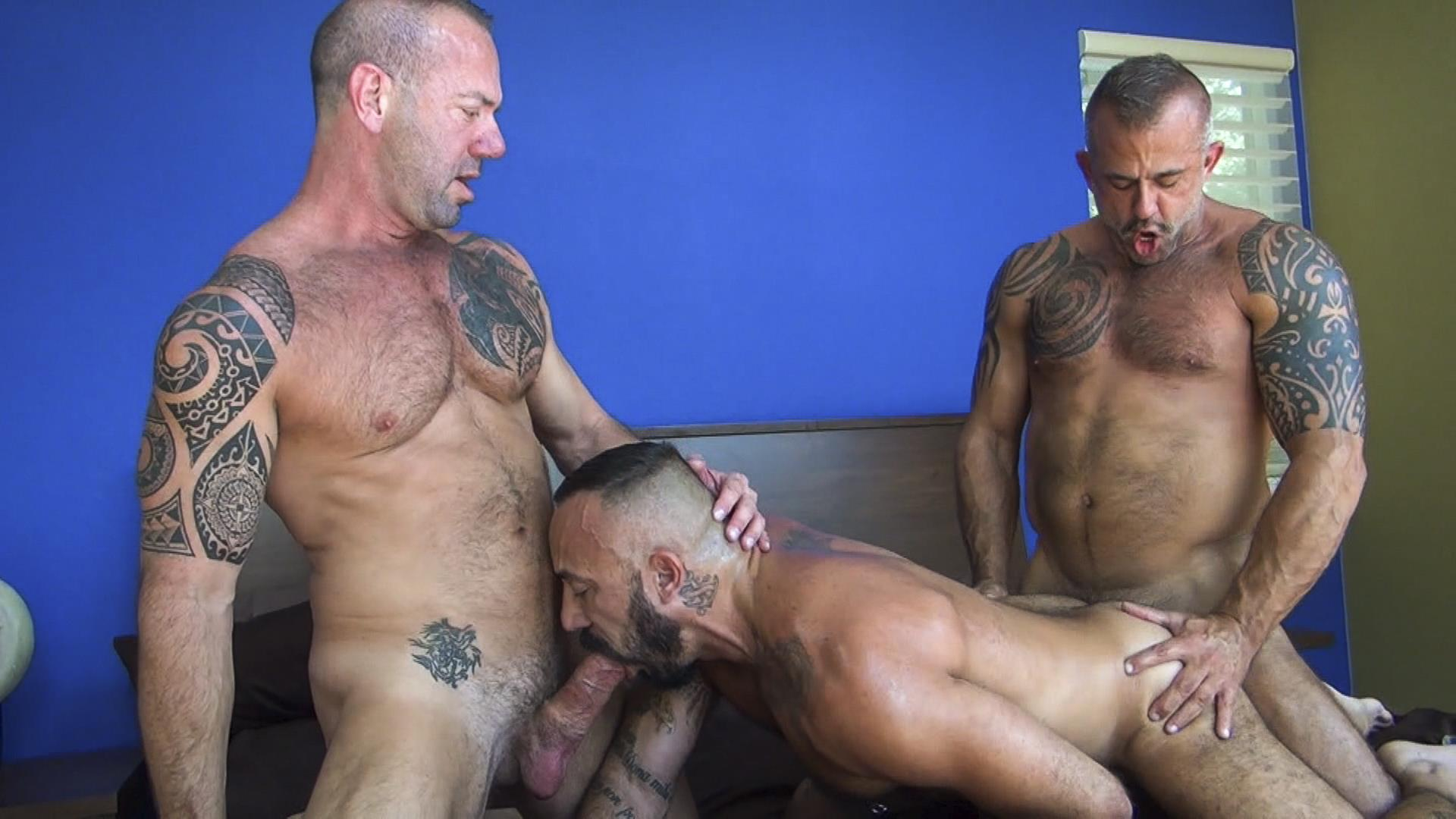 Raw Fuck Club Alessio Romero and Jon Galt and Vic Rocco Hairy Muscle Daddy Bareback Amateur Gay Porn 8 Hairy Muscle Daddy Threeway Double Bareback Penetration