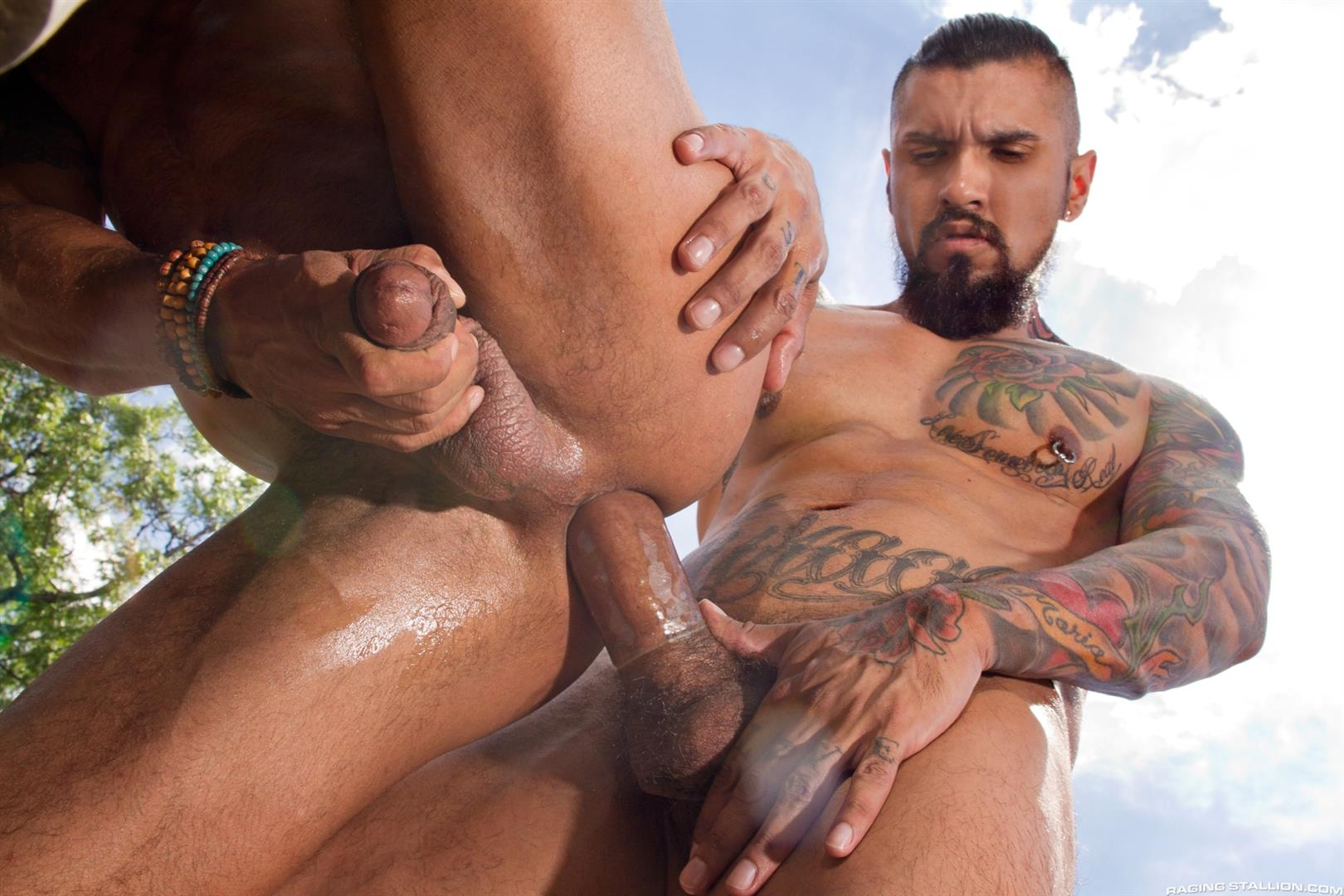 Raging-Stallion-Boomer-Banks-and-David-Benjamin-Big-Uncut-Cock-Fucking-Amateur-Gay-Porn-12 Boomer Banks Fucking In The Back Of A Pickup With His Big Uncut Cock