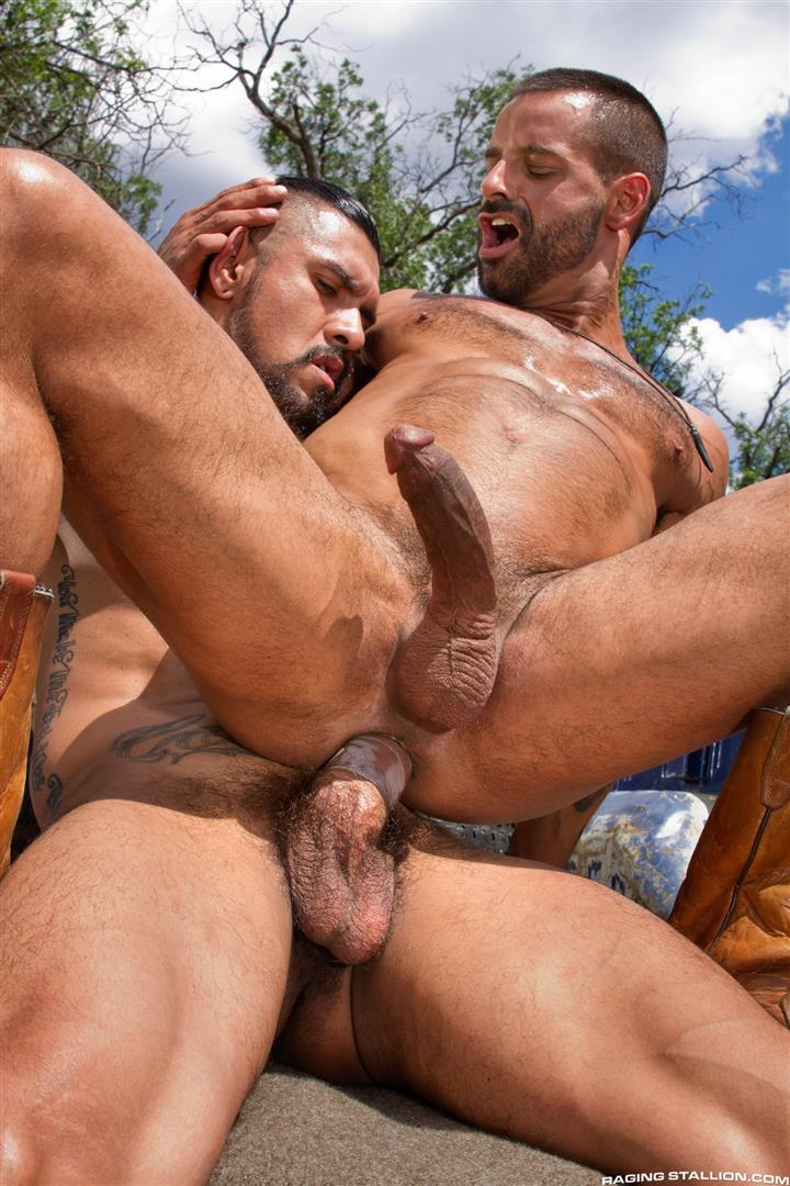 Raging Stallion Boomer Banks and David Benjamin Big Uncut Cock Fucking Amateur Gay Porn 15 Boomer Banks Fucking In The Back Of A Pickup With His Big Uncut Cock
