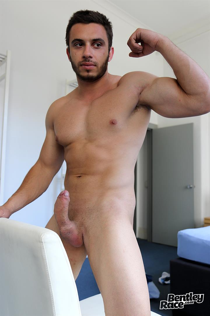 Bentley-Race-James-Nowak-Beefy-Straight-Muscle-Hunk-Jerks-His-Big-Uncut-Cock-Amateur-Gay-Porn-14 Straight Australian Beefy Muscular Guy Strokes His Thick Uncut Cock
